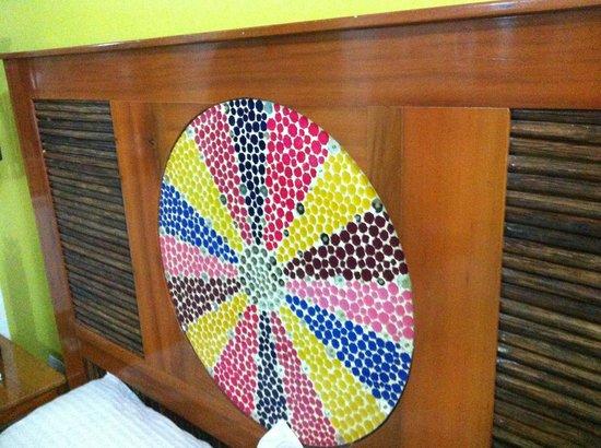 Casa de Leda - a Kali Hotel : mosaic on the headboard!