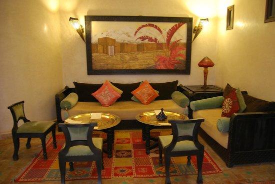 Riad Al Rimal: El salón de la recepción