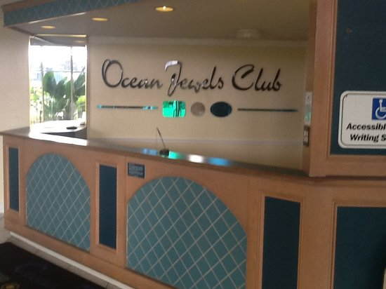 Ocean Jewels Club: Our front desk and lobby