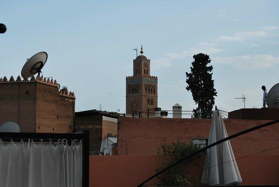 Riad Al Rimal: vista desde la terraza a la Koutoubia, dónde desayunábamos.
