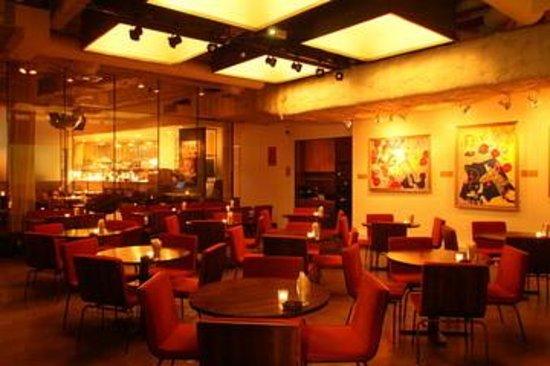 NOS EBISU Bar&Dining: ダイニング