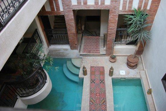 Riad Al Rimal: vista a la piscina