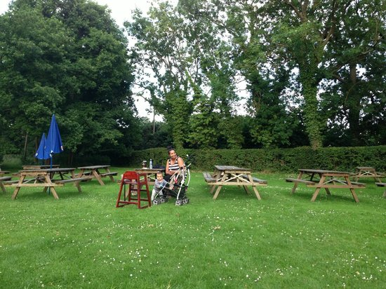 The Greyhound: Outdoor seating area