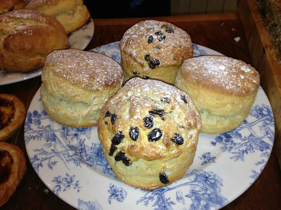 Boston Tea Party Ringwood: Our scones are big, both in size and taste!
