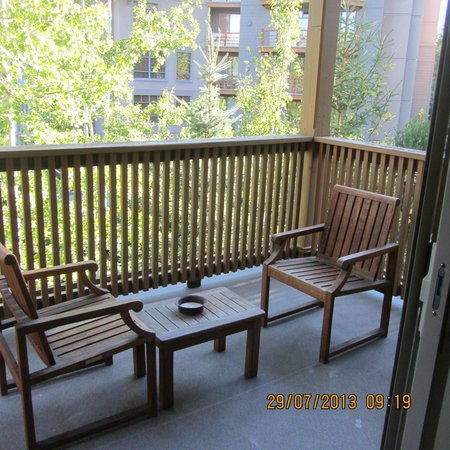 Embarc Whistler: Balcony