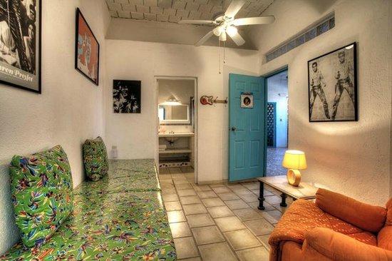 Sayulita Central Hotel Elvis Room