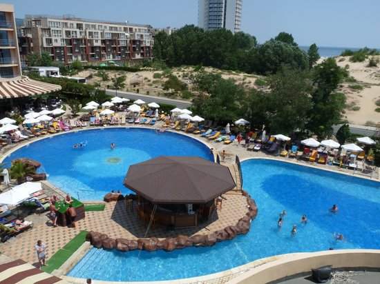 At the pool picture of tiara beach sunny beach - Sunny beach pools ...