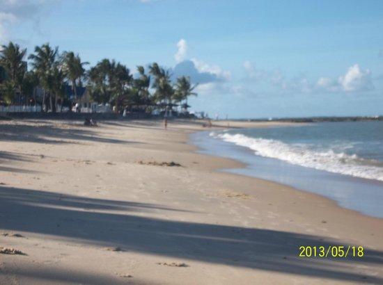 Apaga-Fogo Beach: Vista de Apaga Fogo hacia el Rio Buranhem