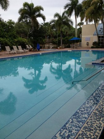 DoubleTree by Hilton Hotel Deerfield Beach - Boca Raton: Nice pool area
