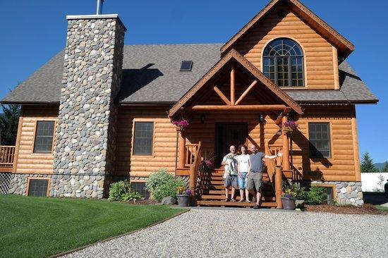 Canadian Bear Guesthouse: B&B