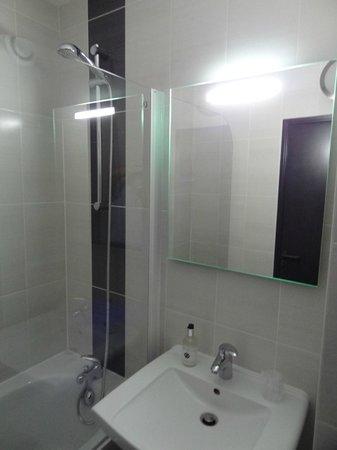 Citotel La Ville en Pierre : Nouvelles salles de bains en chambre confort