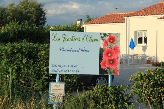Les Jonchères d'Oleron : Façade de la maison