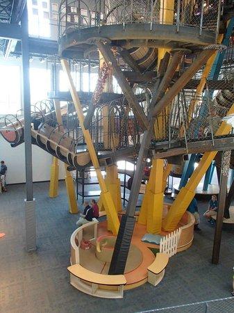 Children's Museum of Phoenix: 3 story climbing apperatus