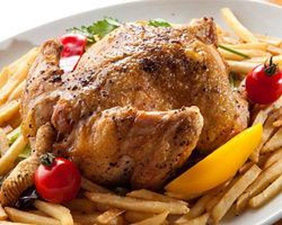 SATOMI fooding Photo