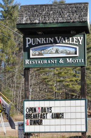 Punkin Valley Restaurant & Motel: Our Sign