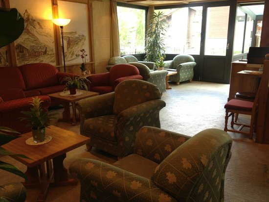 Hotel Matterhornblick : Lobby area
