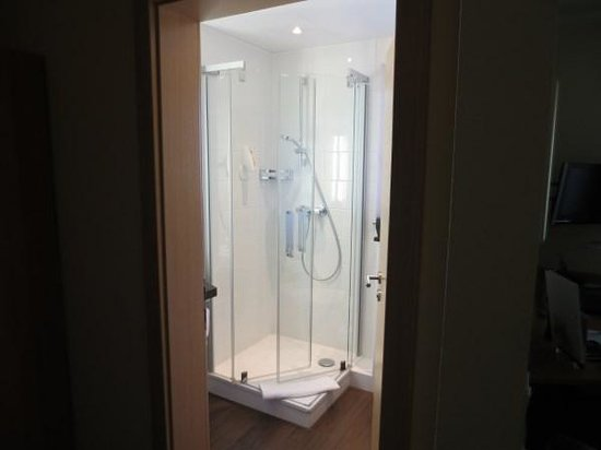 hotel am wartturm bewertungen fotos preisvergleich. Black Bedroom Furniture Sets. Home Design Ideas