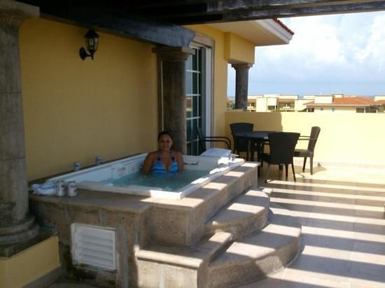 Hotel Marina El Cid Spa & Beach Resort: jacuzzi de nuestra habitación!