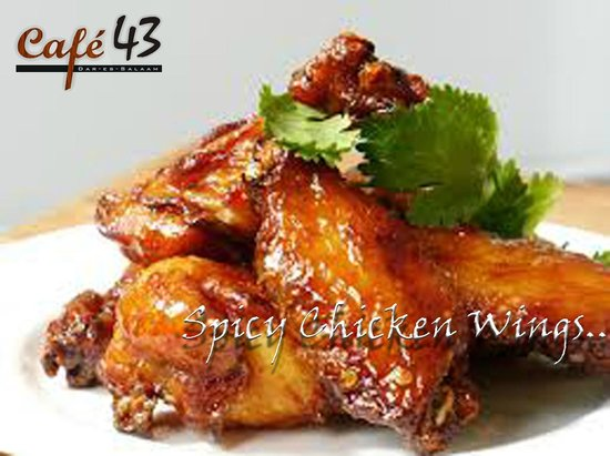 Cafe 43: Spicy Chicken Wings