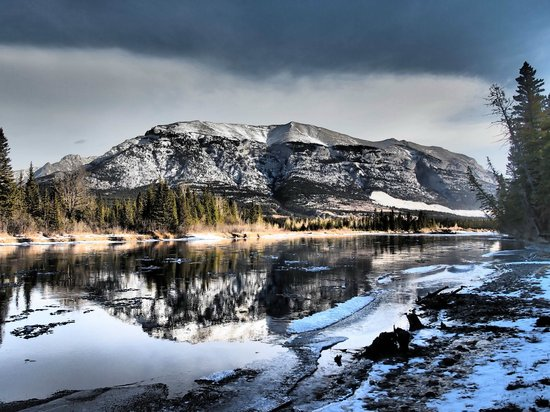 Canmore Cave Tours: Grotto Mountain