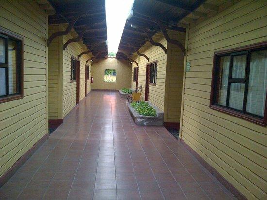 BEST WESTERN Las Mercedes: pasillo de habitaciones