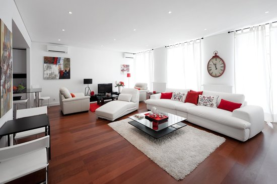 Lisbon Rentals Chiado: Three Bedroom