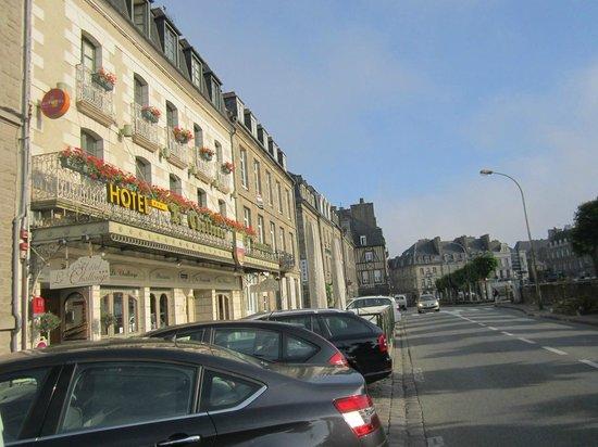 Hôtel le Challonge : Front of Hoel le Challonge