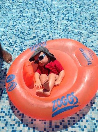 Marhaba Royal Salem: my 1 yr old fell asleep in the pool