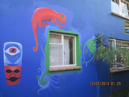 Bombaso's Backpackers Swaziland: Some of the artwork