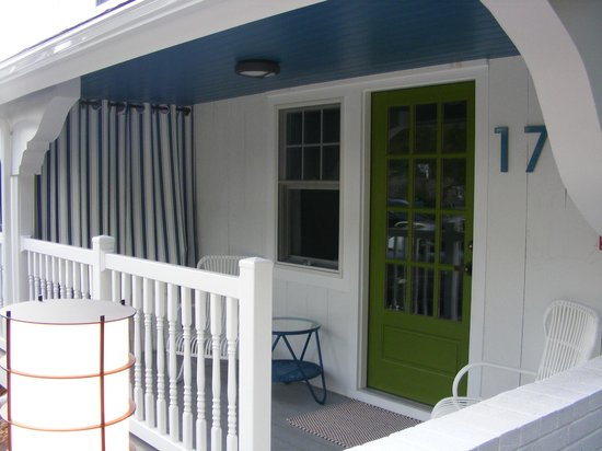 The Lodge on the Cove : Front porch of room