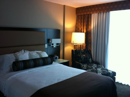 Holiday Inn Hotel & Suites Vancouver Downtown: Standard room