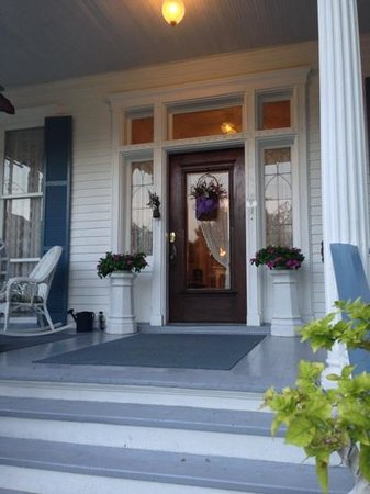 Bisland House Bed and Breakfast: front door