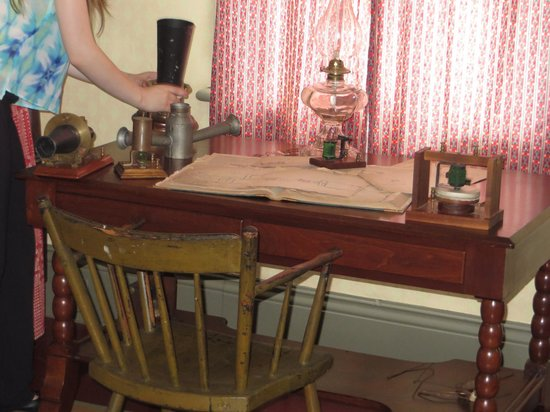 Bell Homestead: Early telephone on display