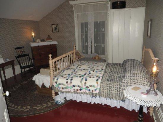 Bell Homestead: Bedroom