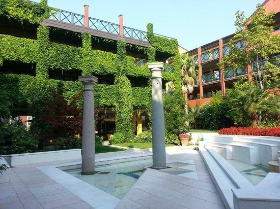 Parc Hotel Gritti: Innenhof