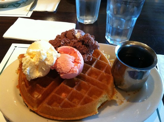 The Coach House: Waffles with alll the flavors