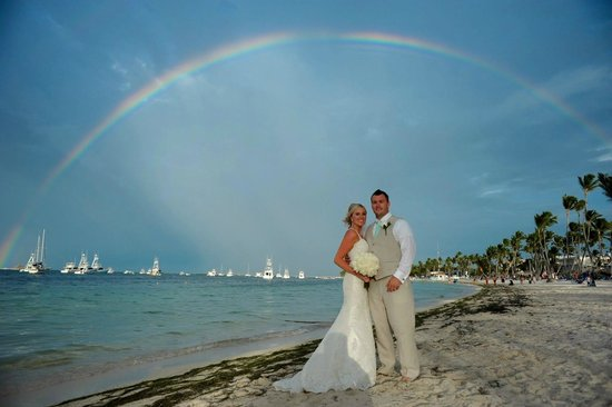Dreams Palm Beach Punta Cana: Wedding picture on the beach