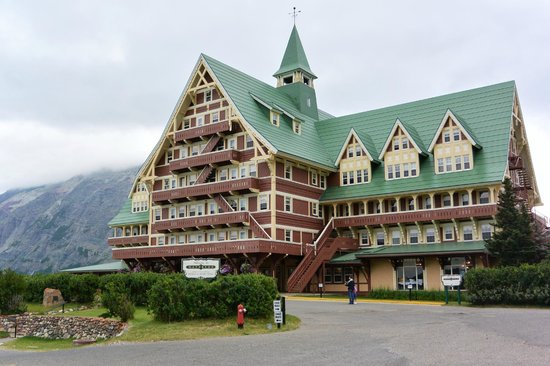 Royal Stewart Dining Room : Prince of Wales Hotel