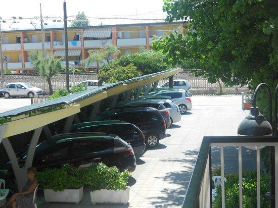 Hotel Prestige: parcheggio