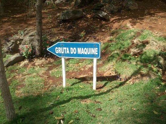 Maquine cave: Placa da Gruta