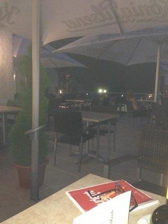 La Baia Hotel & Restaurant: auf der Terasse