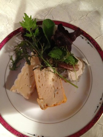 Oscar's : Cheeses with green salat