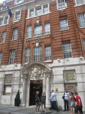 London Bridge Hotel : facade