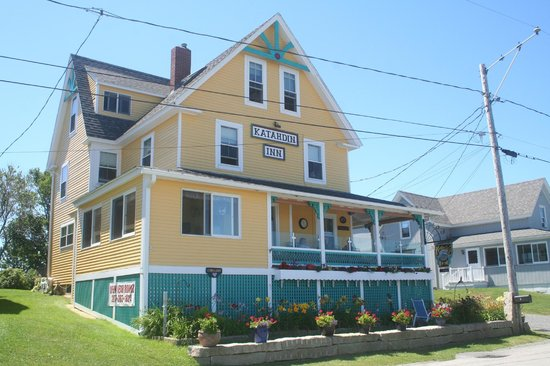 Katahdin Inn on the Beach : Katahdin Inn from the front