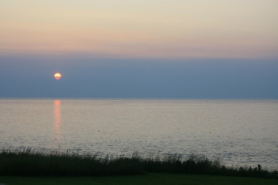 The Point Cottages by the Sea: Sunrise from our cottage