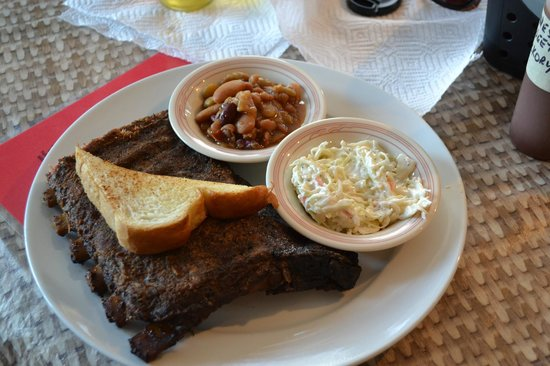 Pig Out BBQ: Ribs and Smokin' BBQ Beans