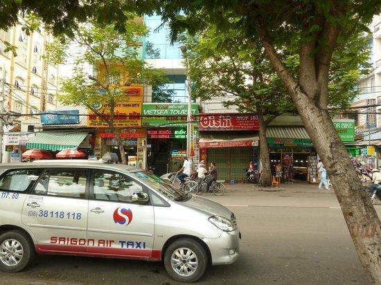 Kim Khoi Hotel : Outside of hotel