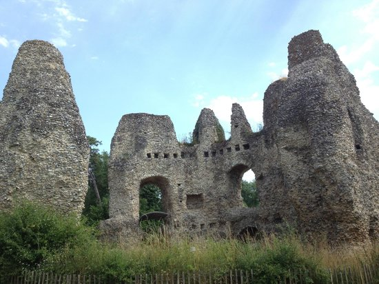 "North Warnborough, UK: Odiham ""King John's Castle"