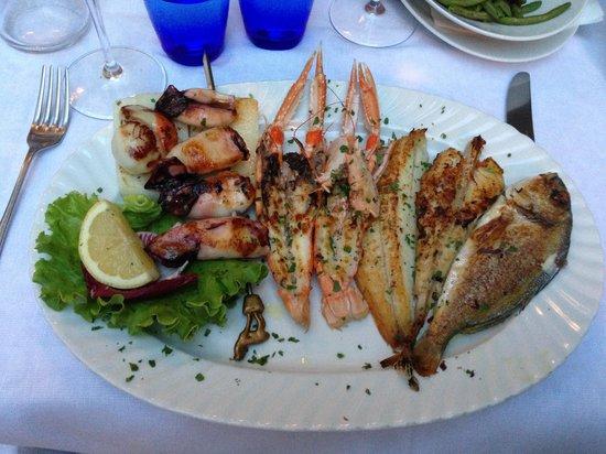 Ristorante Taverna Al Canevon: GRIGLIATA DI PESCE