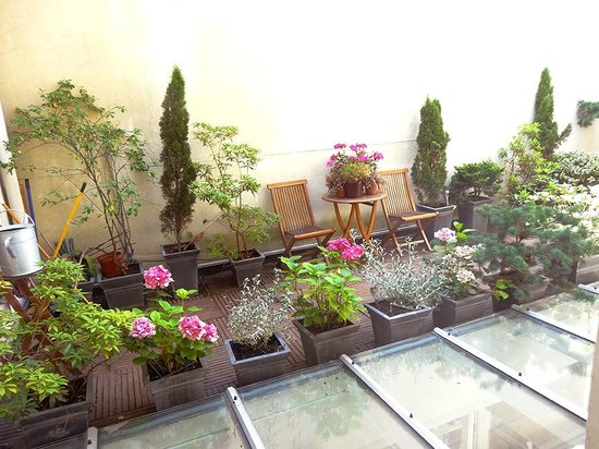 Jays Paris: Rooftop garden view from The Fantasie Suite...